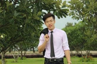 Có mặt tại chung kết Nét đẹp sinh viên Nhân Văn 2016 (http://ebiv.vn/netdepsvnv2016) lại khẳng định thêm vẻ bề ngoài cùng tài năng của anh chàng.