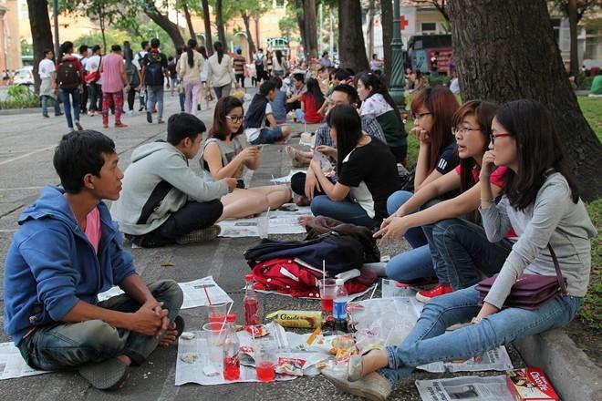 Cà phê bệt lúc nào cũng đông đúc, nhất là vào cuối tuần. Ảnh: Zen Nguyễn.