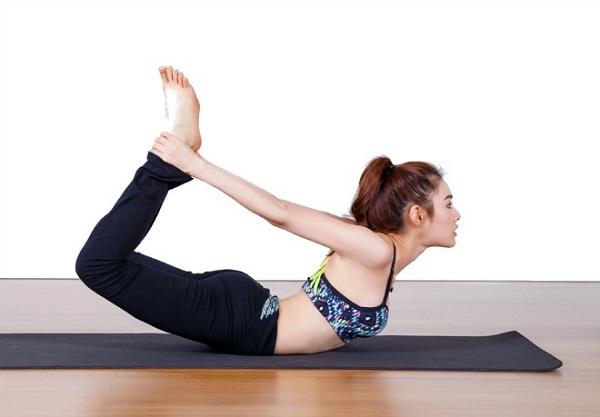 Yoga giúp người đẹp cải thiện sức bền, cơ thể săn chắc, sự dẻo dai, tránh các bệnh tật về xương khớp, điều hòa nhịp thở, giảm căng thẳng, khiến tinh thần cô gái trẻ luôn lạc quan. Người đẹp quan niệm, nếu bạn chăm sóc cho cơ thể trẻ khoẻ, dẻo dai từ bên trong thì chắc chắn sẽ được thể hiện qua thần thái rạng rỡ, tươi tắn bên ngoài.