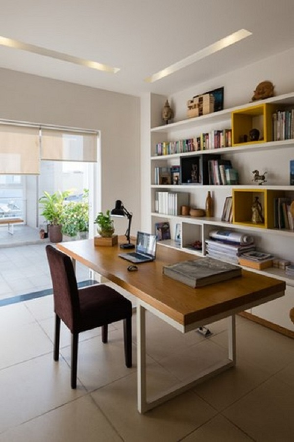 Nội thất trong nhà góc cạnh, tối giản để lộ nhiều khoảng trống nhất có thể.