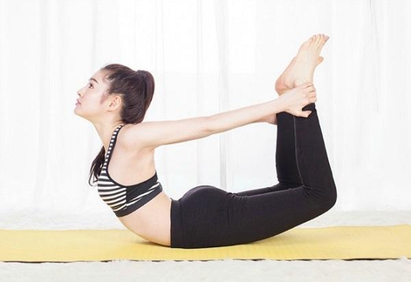 Niềm tự hào của Ngân là vòng eo săn chắc, thon gọn 57 cm. Ngân chia sẻ, nếu phái đẹp muốn cải thiện vòng eo thì có thể kết hợp những bài tập yoga thích hợp cho bụng và ăn chế độ nhiều rau xanh sẽ giúp sở hữu vòng 2 phẳng đẹp như mong muốn.