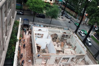 Biệt thự cổ số 12 Lý Tự Trọng được cho xây mới. Ảnh: NLĐ