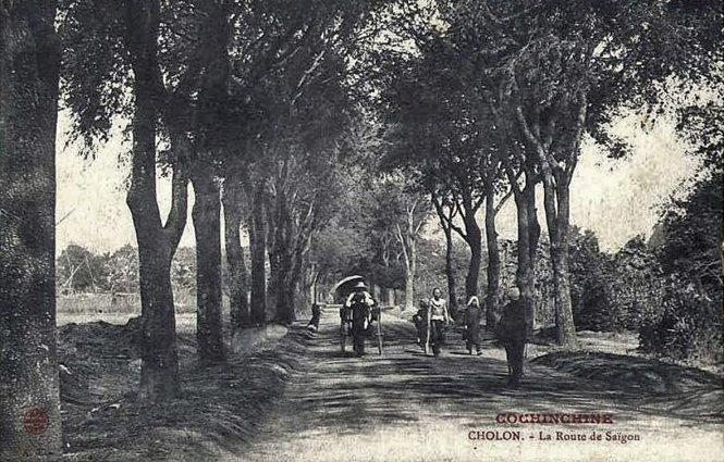 Con đường nối Sài Gòn - Chợ Lớn vào thế kỷ 19, thuở ấy còn rất hoang sơ, nay là đường Nguyễn Trãi.