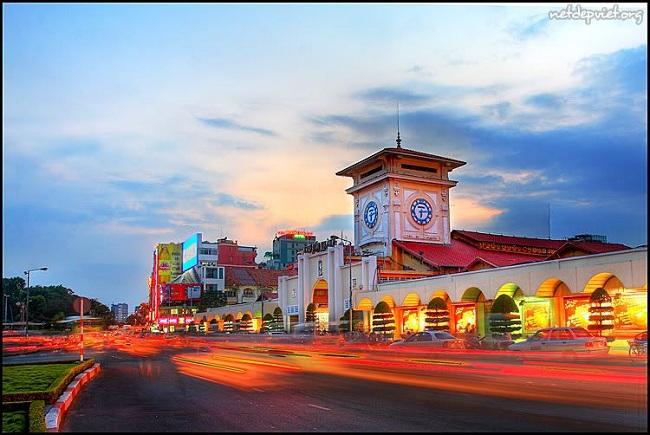 Chợ Bến Thành - biểu tượng của thành phố