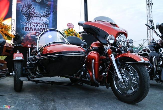 Harley Davidson Ultra được độ theo phong cách Sidecar ba bánh.