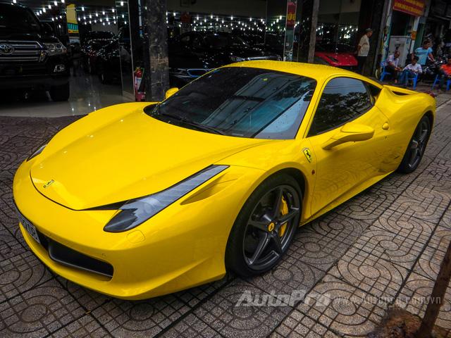 """Hiện """"siêu ngựa"""" đang được chủ nhân rao bán mức giá 8,7 tỷ Đồng, với số đồng hồ công tơ mét là 18.300 km."""