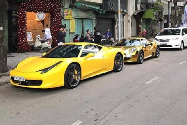 Việc dùng siêu xe tiền tỷ để làm xe đón dâu diễn ra khá phổ biến tại Việt Nam trong những năm trở lại đây. Mới đây, cộng đồng mạng lại xôn xao với một đám cưới với dàn siêu xe trăm tỷ đón dâu tại Sài Gòn với những cái tên nổi tiếng trên thế giới như: Ferrari 458 Italia, Alfa Romeo 4C Launch Edition, Porsche,...