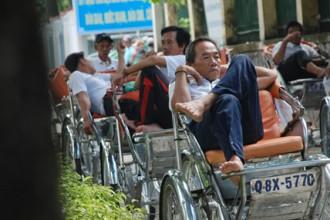 Ông Nguyễn Văn Lấn (quê An Giang) đã thăng trầm qua hơn 40 năm nghề xích lô ở Sài Gòn  ẢNH: AN HUY