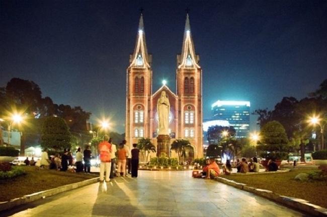 Nhà thờ Đức Bà Sài Gòn là điểm đến không thể bỏ lỡ trong dịp Noel.