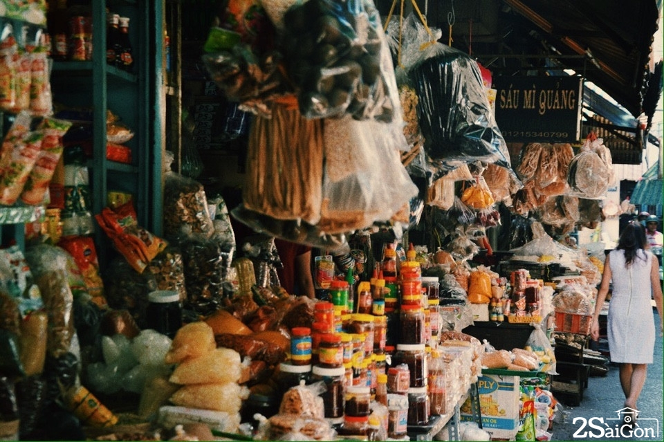 Từ lâu, chợ Bà Hoa đã trở thành địa bàn sinh sống của nhiều người dân xứ Quãng
