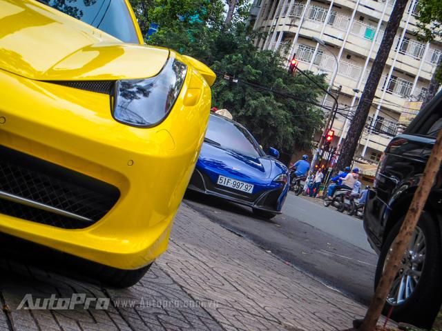 Vào cuối tuần vừa qua người ta bắt gặp cặp đôi siêu xe Ferrari 458 Italia và McLaren 650S Spider của hai tay chơi 8X đình đám cùng có tên Minh.
