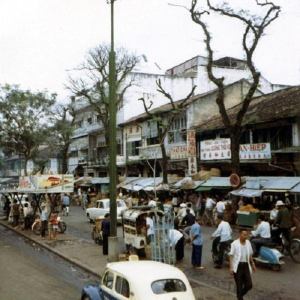 Khu chợ Cũ đường Hàm Nghi.