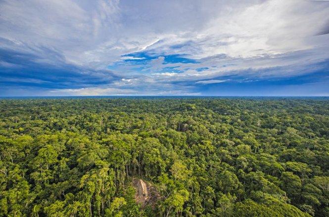 Ngôi nhà dài của bộ lạc bí ẩn - Ảnh: Ricardo Stuckert