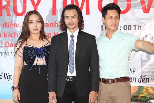 Đàm Quang Vinh đứng giữa Tại buổi Casting cùng với nhà biên kịch Hồ Xuân Hương và đạo diễn Cao Thanh Đoan.