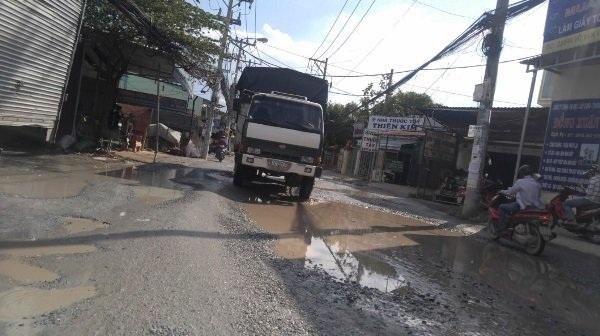 Đường Võ Văn Vân (H. Bình Chánh, TPHCM) điểm nóng về tình trạng xuống cấp những năm qua