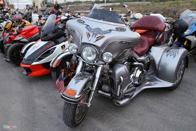 Mẫu xe ba bánh Harley-Davidson Tri Glide Ultra CVO là một trong những chiếc xe hiếm của Saigon Free Chapter. Trị giá chiếc xe này tương đương một mẫu sedan hạng sang Mercedes E-Class.