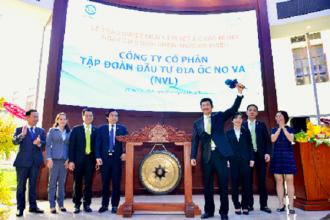 Ông Bùi Thành Nhơn - Chủ tịch HĐQT Novaland thực hiện nghi thức đánh cồng trong lễ niêm yết chính thức cổ phiếu NVL.