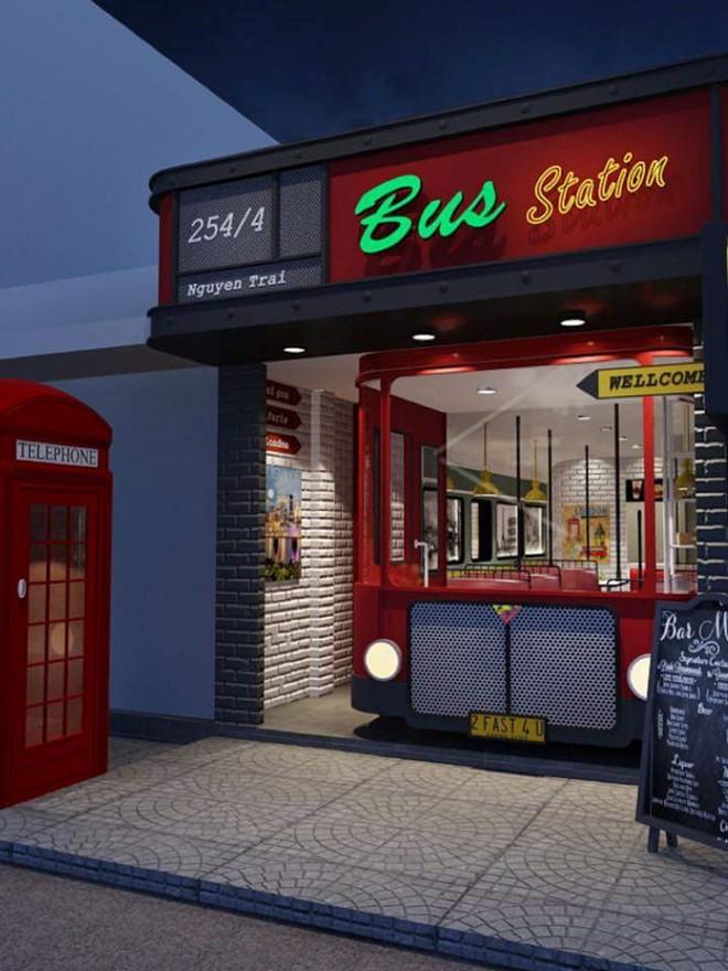 Bus Station Street Food là một quán ăn trông như chiếc xe buýt trên đường Nguyễn Trải, quận 1. Ảnh: Facebook của quán.