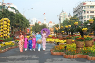 Cùng với Lễ hội Đường sách Tết, đường hoa Nguyễn Huệ là điểm nhấn và niềm tự hào của người dân TP.HCM