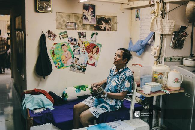 Cuối ngày, khi chia tay sơn và cọ, ông Minh trở về nhà bên cây đàn quen thuộc. Ông thả mình vào tiếng đàn, mọi thứ trôi qua thật nhẹ. Đó là cách mà một người Sài Gòn tận hưởng cuộc sống.