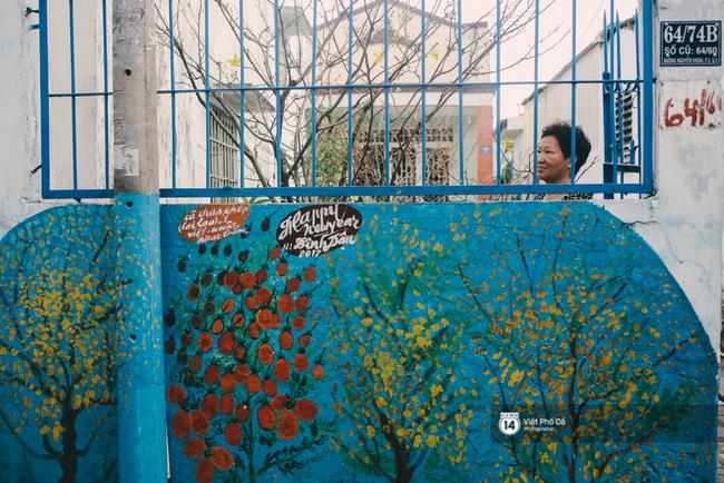 Những bức tranh đem xuân về thật gần với người Sài Gòn.