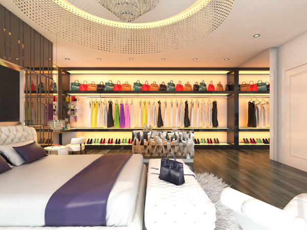 """Tủ đồ """"khủng"""" với hàng trăm bộ váy áo, giày dép, túi xách, phụ kiện trang sức của các thương hiệu đẳng cấp thế giới."""