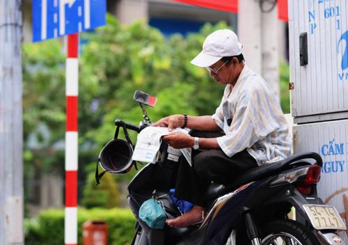 những suất ăn từ thiện từ tay người Sài Gòn.