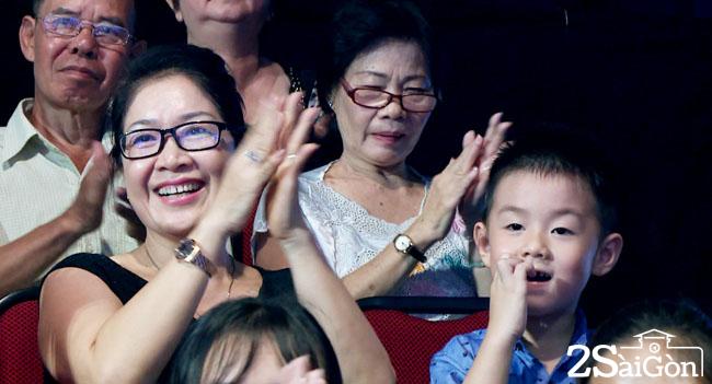 1. Be Ca Phao di ung ho Le Phuong va Trung Kien (1)