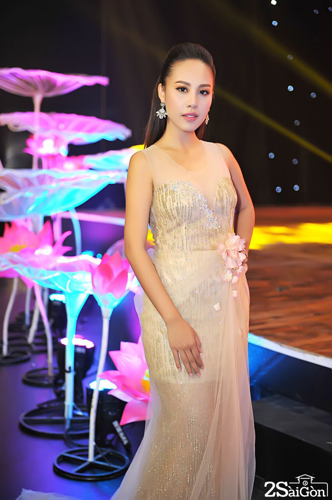 1. MC Do Phuong Thao - Hoa hau phu nhan hoan vu nam 2016 (4)