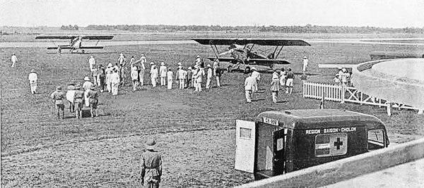 Máy bay của vua Bảo Đại đáp xuống Tân Sơn Nhứt sau một chuyến đi săn - Ảnh tư liệu