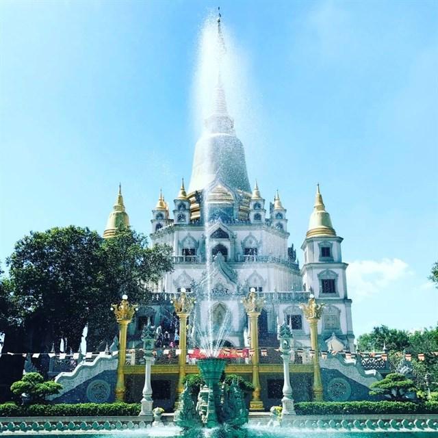 Chùa Bửu Long sở hữu lối kiến trúc theo văn hóa Phật Giáo cổ đại có nguồn gốc trực tiếp từ nền văn minh vùng Suvannabhumi ảnh hưởng văn minh Phật giáo Ấn Độ thời đại vua Asoka, còn đậm nét ở Ankor Wat và các tháp Cham Việt Nam.