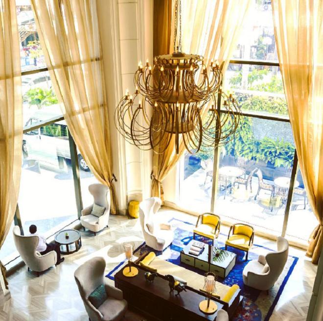Nội thất Đông Dương được kết hợp hài hòa trong phong cách Pháp thế kỉ 19, tạo sự trang nhã cho Hotel des Arts Saigon