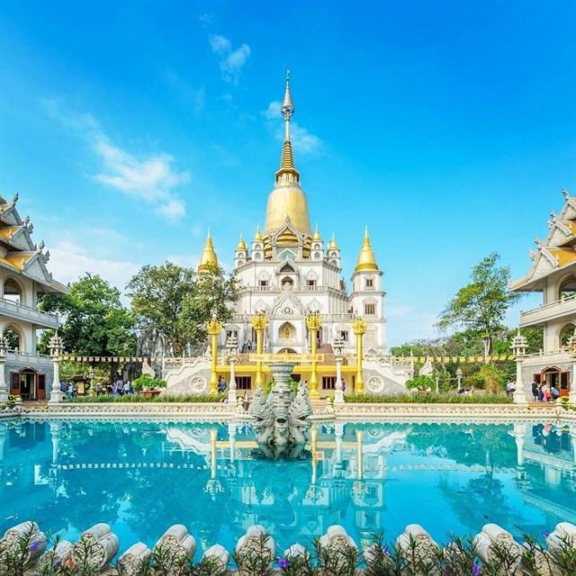 """Ngôi chùa nổi tiếng với kiến trúc độc đáo, đẹp mắt, có """"một-không-hai"""" tại Sài Gòn."""