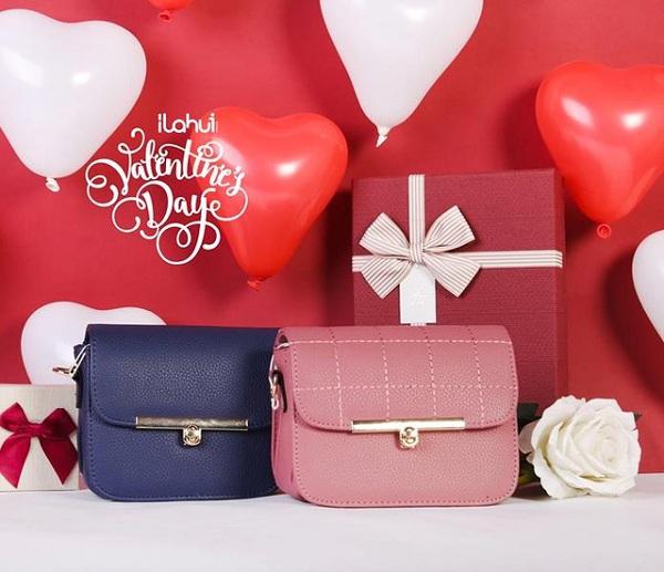 Ngoài những set đồ đôi được ILAHUI thiết kế riêng cho ngày Valentine, cửa hàng còn bán nhiều sản phẩm lẻ thuộc đủ mọi nhóm hàng như thời trang nam nữ, phụ kiện, đồ chơi trẻ em, văn phòng phẩm, vật dụng gia đình, phụ kiện điện tử, mỹ phẩm