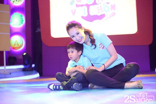 Duong My Linh va con trai