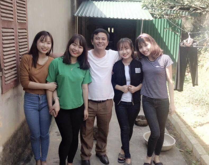 Hai gia đình có ba chị em xinh xắn khác ở Hà Nội và Nghệ An.