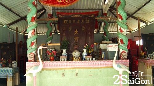 Đền thờ Nghinh Ông ở Cồn Bửng, Thạnh Phú - Ảnh: Chu Phương