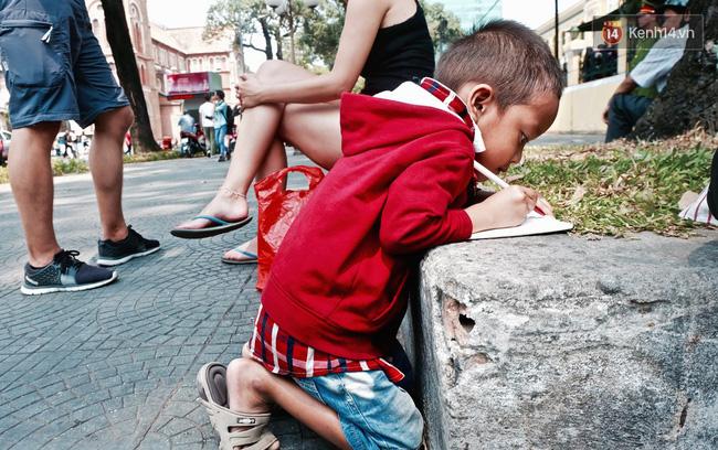 Chị Linh từng đưa nhóc Đạt đến trại trẻ mồ côi.