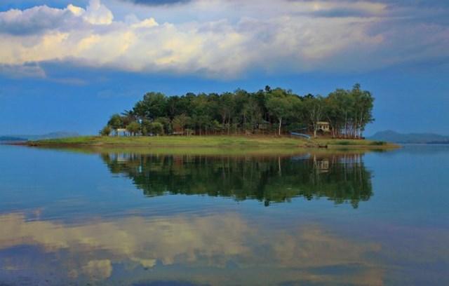 Đảo Ó là thuộc huyện Vĩnh Cửu, tỉnh Đồng Nai, đảo Ó nằm giữa hồ Trị An, là một trong những đảo hoang sơ của Đồng Nai.