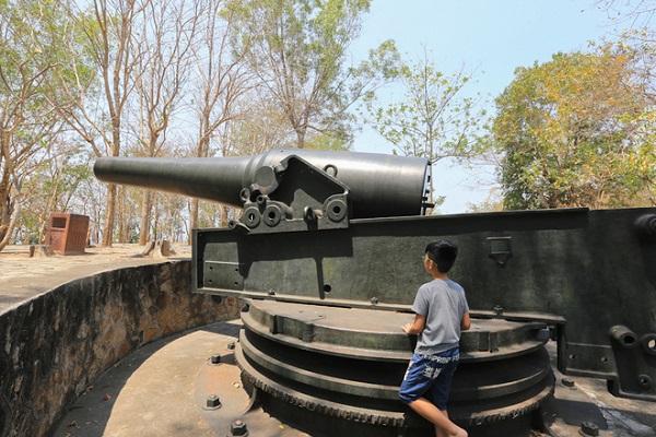 Sau khi hoàn thành vào năm 1905, Vũng Tàu đã trở thành một phòng tuyến phòng thủ bờ biển quy mô hiện đại nhất Đông Dương lúc bấy giờ với ba trận địa pháo lớn: trận địa núi Tao Phùng (núi Nhỏ), núi Lớn, Cầu Đá gồm 23 khẩu trọng pháo từ 140 ly đến 300 ly. Trong đó, trận địa pháo ở núi Lớn gồm 6 khẩu đại pháo, là trận địa kiên cố nhất.