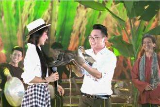 Tiet muc cua doi Le Phuong - Trung Kien - MC Phuong Hieu - Bien dao Luong Hoa