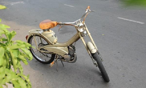 Bản phục dựng Mobylette AV44 1960 tại Sài Gòn.