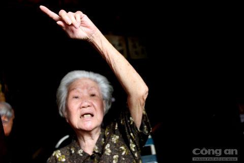 Khi được hỏi về tung tích của gia đình chú Hỏa, bà Kha Quyên cho biết, sau năm 1975, toàn bộ gia đình họ đã chuyển sang sinh sống ở các nước châu Âu và tiếp tục công việc kinh doanh. Theo những gì bà được biết, hiện nay dòng họ Hứa của chú Hỏa vẫn là một trong những dòng họ có tiếng trong giới thương nhân Hoa kiều và sinh sống rải rác khắp ở các nước châu Âu