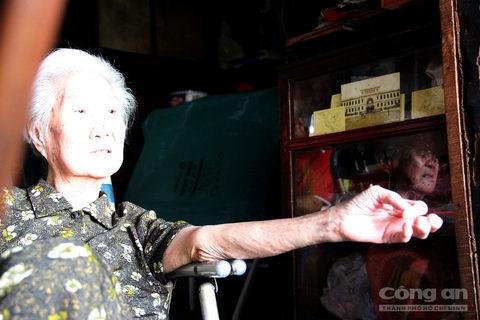 Theo bà Quyên, ban đầu tiệm trà chỉ bán các loại trà từ Trung Quốc. Sau đó bán thêm trà Bảo Lộc.