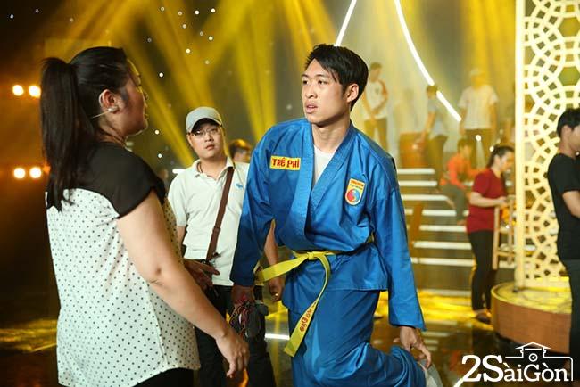 1.Tap luyen CK_NSND Hong Van va con trai Tre Phi (7)