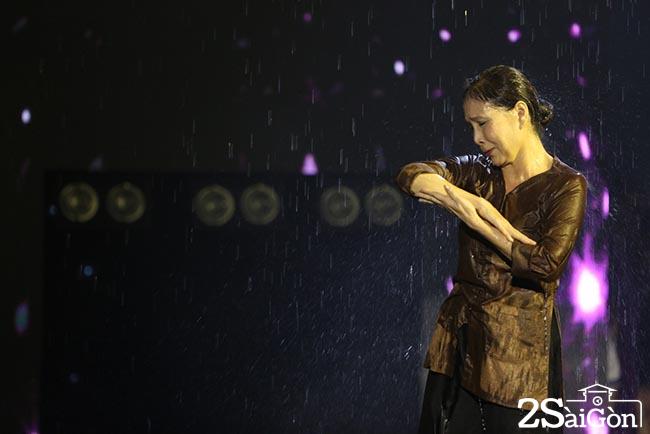 4.Tap luyen CK_NSUT Kim Xuan va con trai Huy Luan (2)