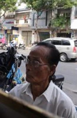 Ông Từ Hoa Lợi, người gắn bó cả cuộc đời mình cho nghề vẽ tranh truyền thần.