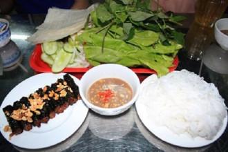 5-con-duong-am-thuc-khong-luc-nao-vang-khach-o-sai-gon-ivivu-1