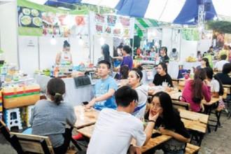 Chợ phiên cuối tuần bến Bạch Đằng đã đi vào hoạt động. Ads by AdAsia