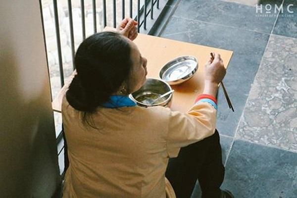 Bức ảnh của cô Trọng khiến teen Marie Curie xúc động.